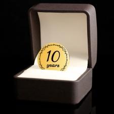 Позолоченная монета 10 лет Вместе