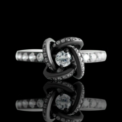 Кольцо из черного золота «Ночные вспышки»