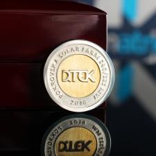 Серебряная монета с логотипом ДТЭК