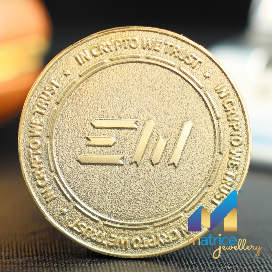 Монета с логотипом криптовалюта