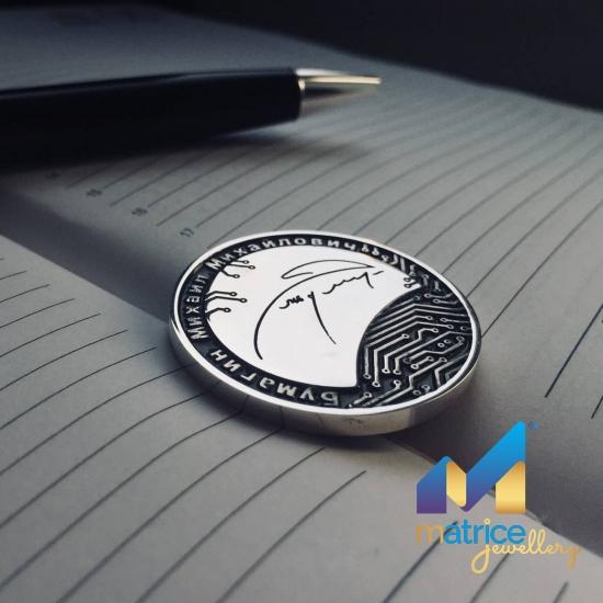 Именная монета с подписью