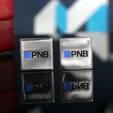 """Серебряные запонки с логотипом """"PNB Banka"""""""