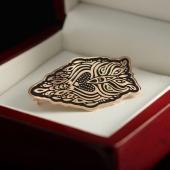 Золотая брошь Сова с гравировкой