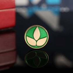 Золотой значок с логотипом
